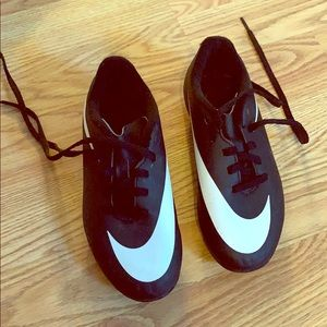 Youth size 12 Nike soccer cleats